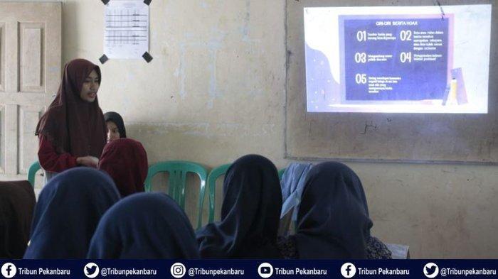 Mahasiswa Kukerta Universitas Riau Sosialisasi Kesadaran Berita Hoax kepada Siswa SMP Rokan Hulu