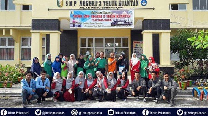 Mahasiswa Kukerta UNRI Gelar Sosialisasi Bijak Bersosial Media di SMP Negri 3 Teluk Kuantan