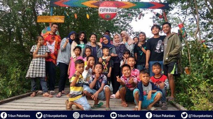 Mahasiswa Kukerta UNRI Manfaatkan Jembatan Sungai Gelam Desa Pelantai Jadi Lokasi Ekowisata Mangrove