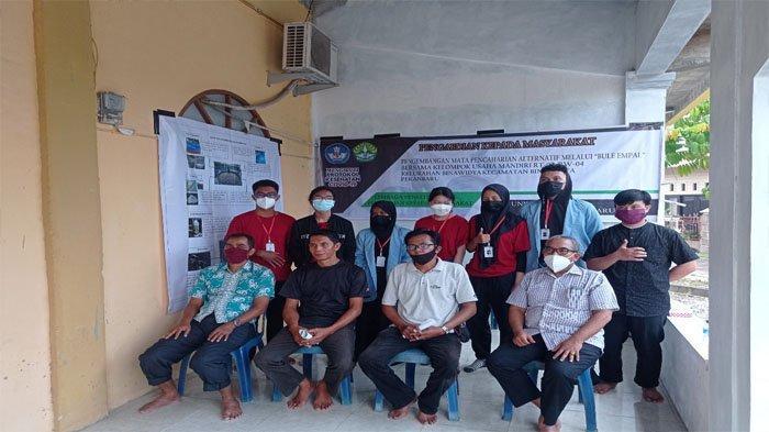 Kukerta Universitas Riau Kembangkan Lele Bule Empal di Kelurahan Binawidya, Pekanbaru