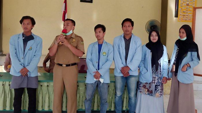 Mahasiswa Relawan Covid-19 UNRI Bantu Satgas Desa Cegah Penyebaran Virus Corona