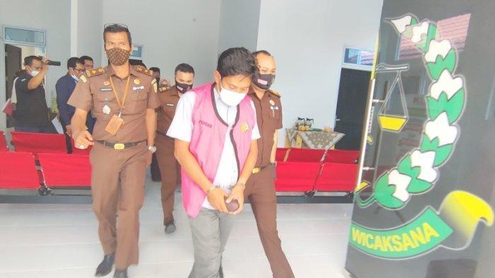 Mantan Pejabat BUMD Tuah Sekata Ditahan, Kejari Pelalawan Isyaratkan Penambahan Tersangka