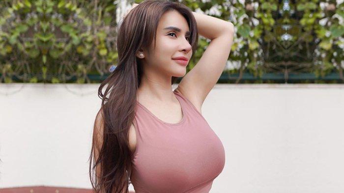 Maria Vania Pamer Gaya Rambut Baru Bak Gadis ABG: Semoga Makin Betah Mandangin, Netizen: Betah, Gede