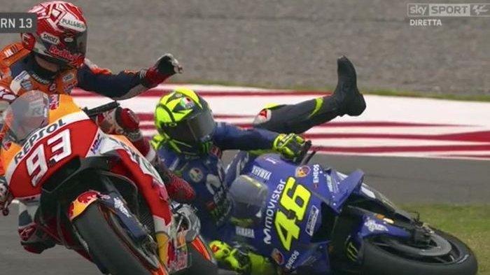 Marquez & Rossi Kembali Buka Luka Lama: Dia Menendang & Saya Terjatuh