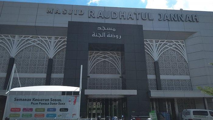 Masjid Raudhatul Jannah Siapkan Takjil Lebih 1.000 Porsi Tiap Hari