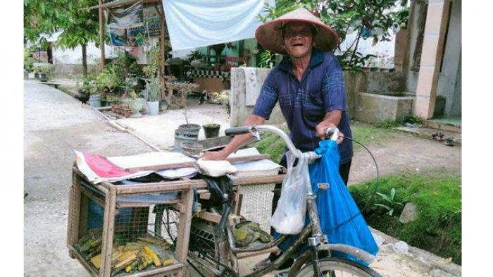 Perjuangan Mbah Ahmad, Kakek 91 Tahun Kayuh Sepeda Tua, Jual Tempe Keliling Kompleks di Pekanbaru