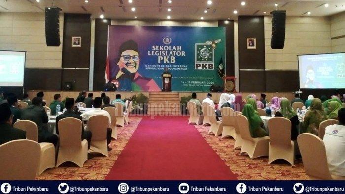 Menaker Ida Fauziyah ke Riau, Buka Sekolah Legislator PKB di Pekanbaru, Capacity Building Bagi Dewan
