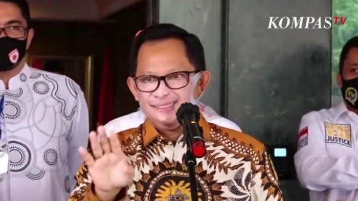 Mentang-menteng Berjiwa Seni, Tito Karnavian Sentil Rambut Pirang Pasha Ungu