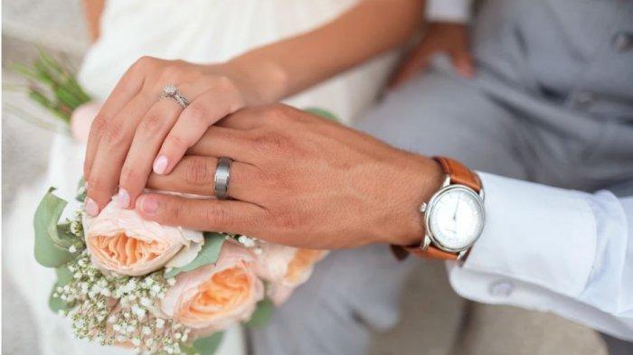 Pernikahan Pasangan Ini Hanya Punya 11 Tamu Undangan, Ini Kesaksikan Sang Fotografer, Kisahnya Viral