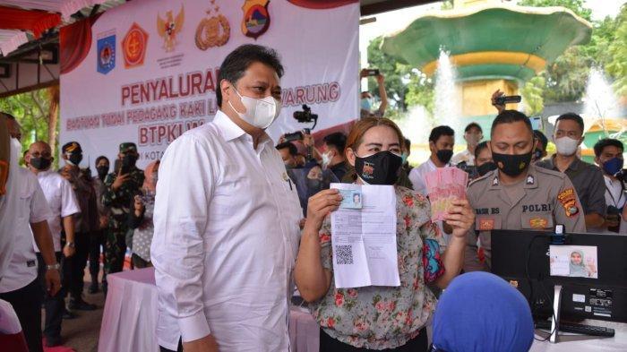 Menko Airlangga: Bantuan Tunai PKL dan Warung di Provinsi NTB Paling Cepat dan Tepat Sasaran