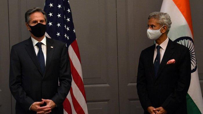 Menteri Luar Negeri AS Antony Blinken menghadiri konferensi pers dengan Menteri Luar Negeri India Subrahmanyam Jaishankar setelah pertemuan bilateral di London pada 3 Mei 2021, selama pertemuan para menteri luar negeri G7. Inggris minggu ini menjadi tuan rumah pertemuan tatap muka pertama para menteri luar negeri G7 dalam dua tahun, diikuti oleh Menteri Luar Negeri AS Antony Blinken, ketika kekuatan dunia mengatasi pemulihan pandemi ditambah ketegangan yang meningkat dengan Rusia dan China.