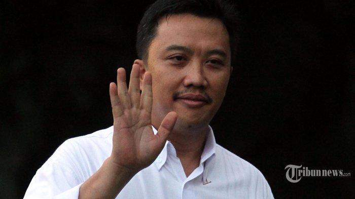Menpora Serahkan Kronologi Kisruh PSSI ke Jokowi