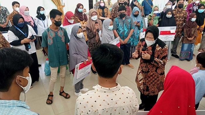 FOTO : Kunjungan Mensos Risma di Pekanbaru - mensos-tri-risma-ke-rumbai.jpg