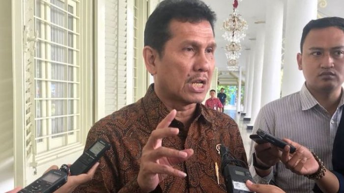 Mensesneg Pastikan Menteri Asman Abnur Dicopot karena Sikap Politik PAN
