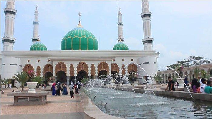 Masjid Agung Islamic Center (MAIC) Rokan Hulu Dinobatkan Sebagai Destinasi Wisata Halal di Riau