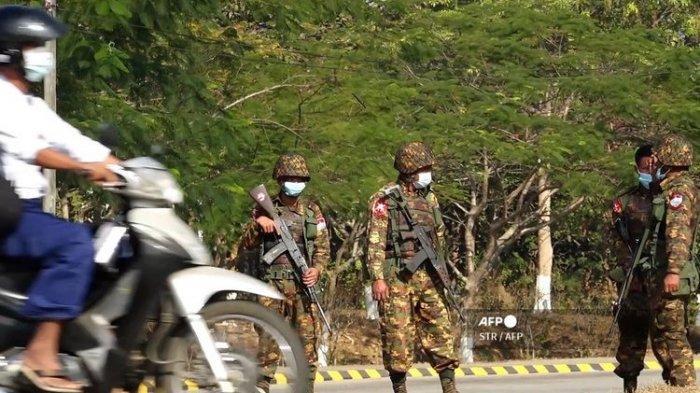 Puluhan Personel AU Myanmar Mengundurkan Diri, Ratusan Personel AD Bergabung Ke Pembangkang