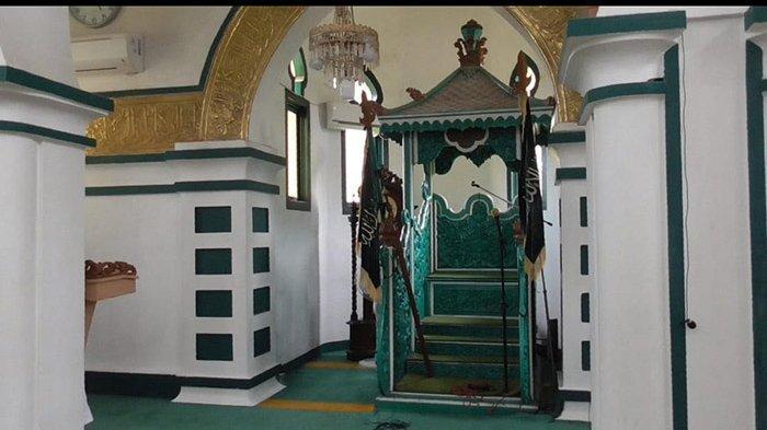 Ajaib, Kayu Usia 300 Tahun Tak Lapuk, Mimbar Masjid Syahabuddin Siak Tak Pernah Ganti Sejak Berdiri