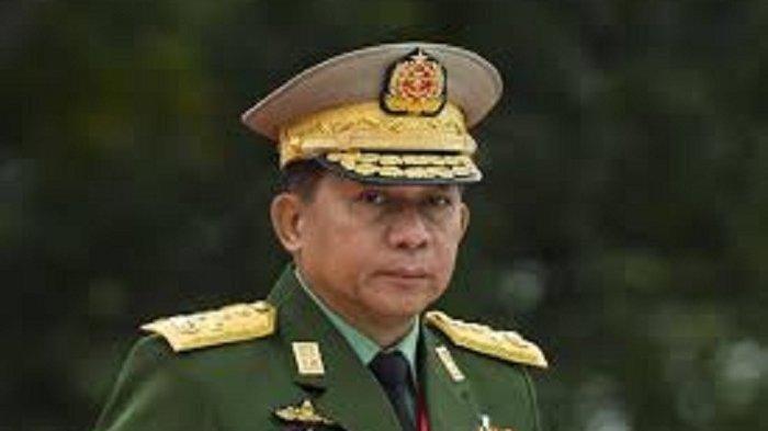 Min Aung Hlaing, Panglima Angkatan Bersenjata Myanmar __ Militer Myanmar Dulu Tega Membantai Muslim Rohingya, Kini Mendekatinya Setelah Lakukan Kudeta