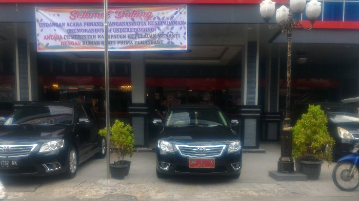 Mobil dinas jenis Toyota Camry disebut masih layak digunakan untuk mendukung kinerja Bupati Kepulauan Meranti.