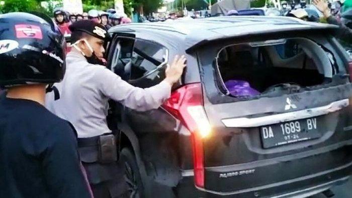 Wanita Ini Diamuk Massa, Mobilnya Dikejar-kejar Gara-gara Kabur Usai Tabrak Pengendara Motor