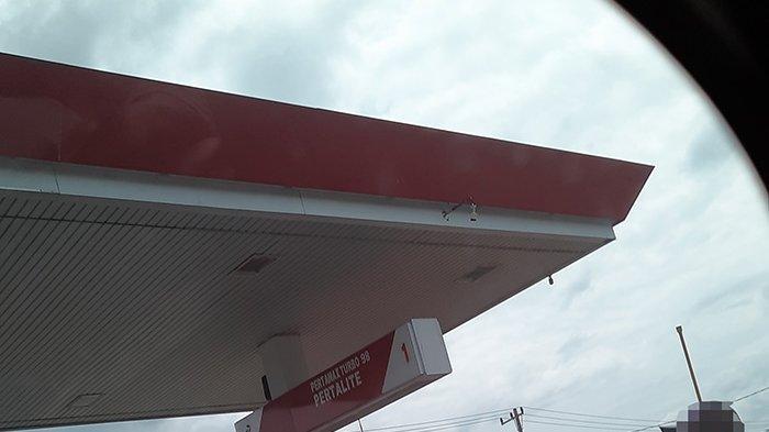 Modifikasi Tangki Raksasa,Tanpa Malu-malu Oknum di Riau Langsir BBM Jenis Premium di SPBU Ini