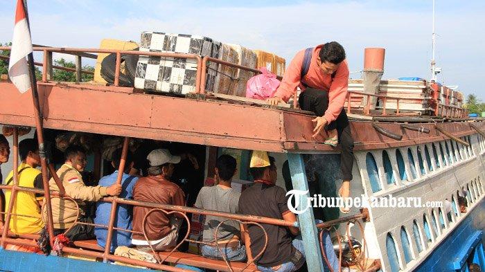 Jelang Tahun Baru 2019, Jumlah Penumpang di Pelabuhan Sungai Duku Pekanbaru Turun