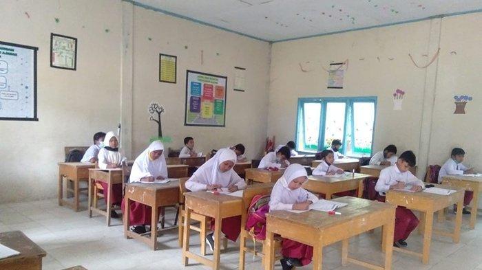 Komplain Nihil, Disdikbud Klaim Hari Kedua Belajar Tatap Muka di Pelalawan Lancar