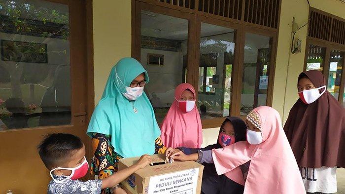Murid SD di Perkebunan Sawit Ini Sisihkan Jajan untuk Donasi Bencana Kalsel dan Sulbar
