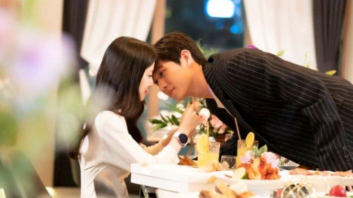 Nonton Drama Korea The Penthouse 3 Episode 14 Final Episode, Ro Na dan Seok Hoon Berlayar