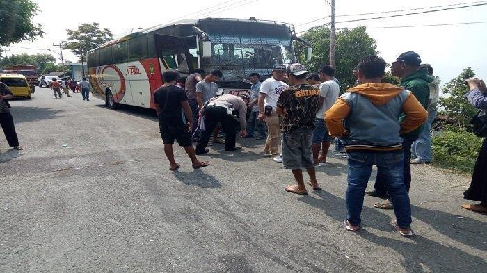 Bus NPM Terlibat Kecelakaan dengan Angkutan Desa di Tanah Datar, Supir Angdes Meninggal Dunia