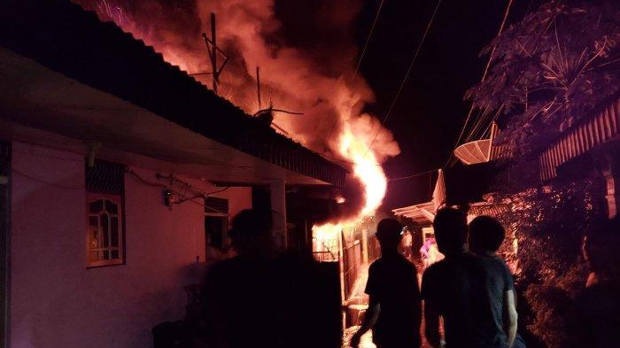Nyalakan Pelita saat Listrik Padam Tak Sengaja Tumpahkan Minyak hingga Hanguskan 2 Rumah di Riau
