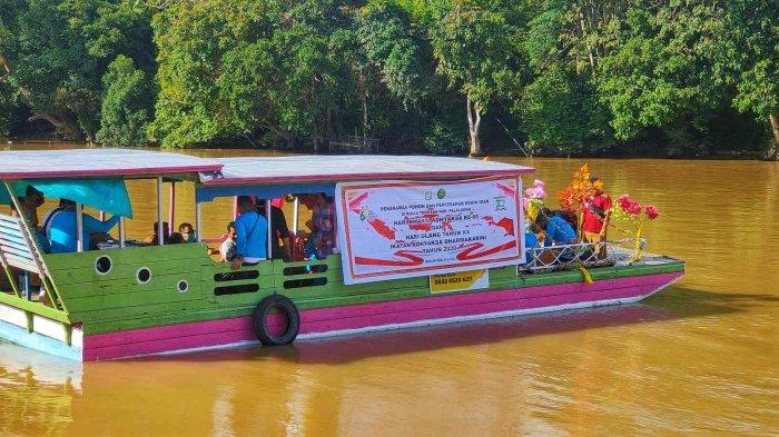 Objek wisata Pantai Kuala Terusan yang kerap disebut Pantai Kute di Desa Kuala Terusan Kecamatan Pangkalan Kerinci Kabupaten Pelalawan.