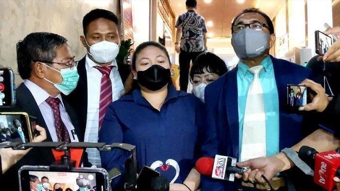 Menantu Nia Daniaty Tak Tahu Kasus Penipuan CPNS yang Jerat Sang Istri, 7 Jam Diperiksa Polisi
