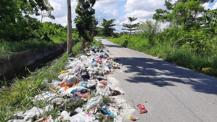 Operator Angkutan Sampah di Pekanbaru Masih Kesulitan Angkut Sampah dari Pemukiman