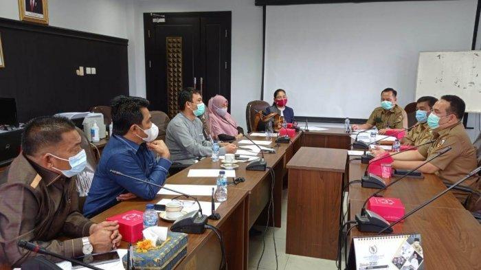 Suasana hearing Komisi III DPRD Pekanbaru dengan Diskes Pekanbaru, terkait penanganan covid-19 di Kota Pekanbaru, Selasa (20/10/2020).