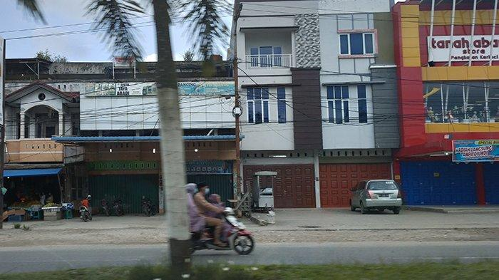 Sepi Bak Kota Tak Berpenghuni, Pusat Perbelanjaan Tutup Jalanan Lengang di Pangkalan Kerinci