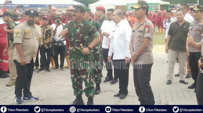 PANGLIMA TNI dan Kapolri ke Pekanbaru Tinjau Posko Relawan Karhutla di Purna MTQ