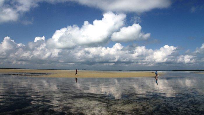 Indahnya Pantai Rupat Utara Pasir Putih Sepanjang 17 Kilometer
