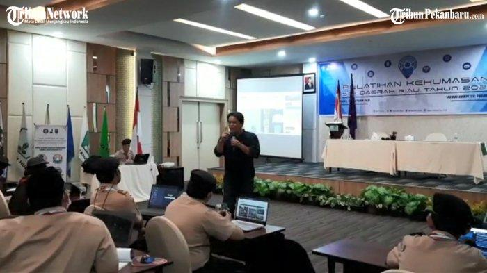 Pemimpin Redaksi Tribun Pekanbaru Tantang Peserta Tulis Berita, Pelatihan Kehumasan Kwarda Pramuka
