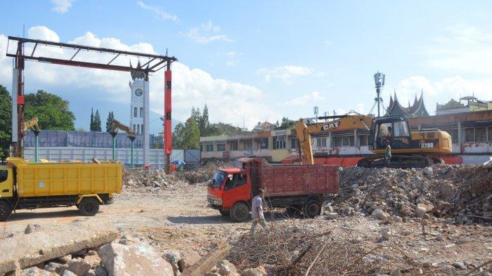 Horeee. . . Pasar Atas Bukittinggi Dibangun Ulang, PT Semen PadangBantu 44 Unit Kios Penampungan