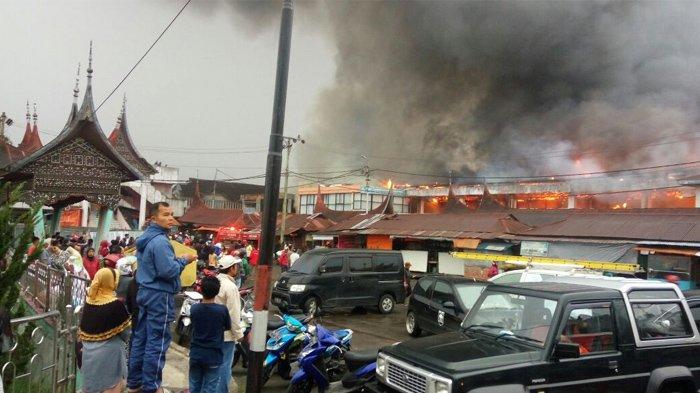 VIDEO: Begini Situasi Pasar Atas Bukittinggi yang Terbakar