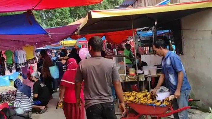 Makin Ganas Laju Covid-19 di Riau, Pengunjung dan Pedagang Pasar Cuek Abai Prokes, Bikin Elus Dada