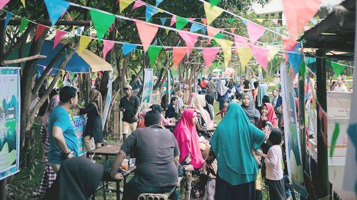 TRIBUN WIKI: Asyiknya Berkunjung ke Pasar Pohon di Taman Tengku Agung Sultanah Latifah, Siak