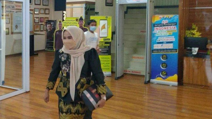 Pasca Proses Klarifikasi Jaksa 3,5 Jam Soal Mobil Dinas, Anggota DPRD Pekanbaru Ida Yulita Bungkam