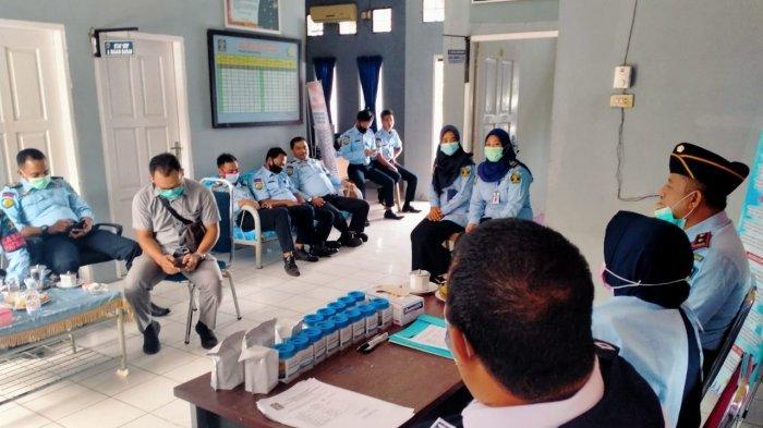Pastikan Bersih dari Narkoba, Rupbasan Bengkalis Tes Urine Seluruh Pegawainya