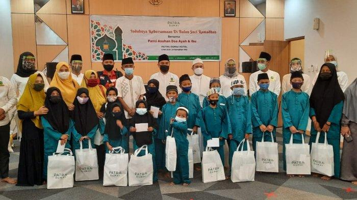 Gelar Program Indahnya Kebersamaan, Patra Dumai Hotel Santuni Puluhan Anak Yatim.