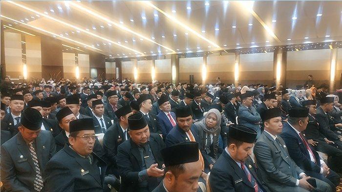 Molor Hampir Dua Jam, Wagubri Tiba di Lokasi Pelantikan Pejabat Eselon III dan IV Pemprov Riau