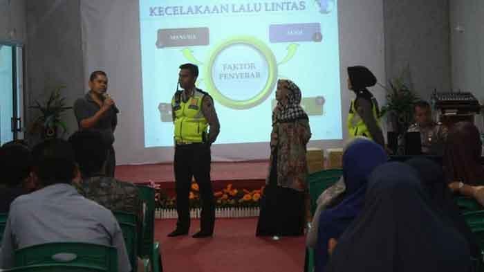 Sat Lantas Polresta Pekanbaru Sosialisasi Tertib Berlalu Lintas di SMP Islam As Shofa Pekanbaru