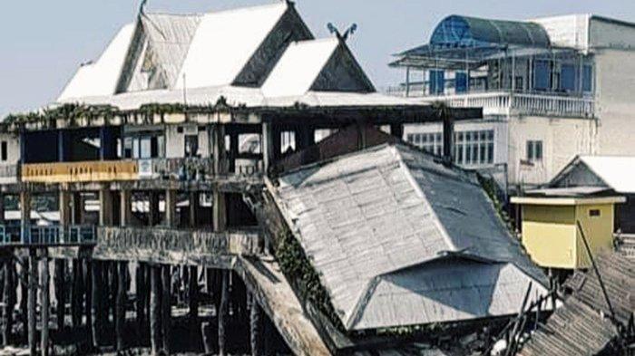Tanah Longsor Bikin Pelabuhan di Pasar Kuala Enok Ambruk Lalu Hanyut,Camat Khawatir Longsor Susulan