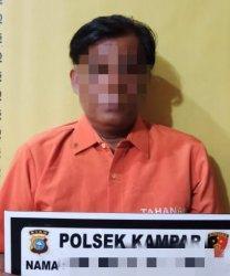 Tunggu Pembeli di Warung Kopi,Penjual Judi Kim Tak Sadar Diintai Polisi,Pasrah Digelandang ke Sel